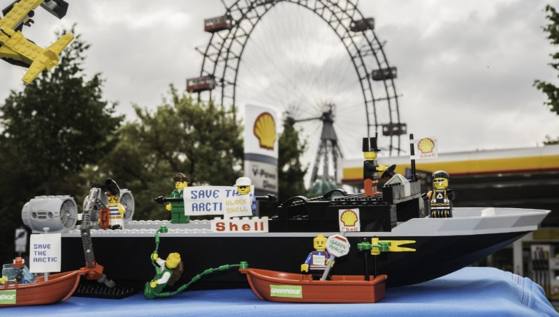 lego_wien_c_greenpeace_georg_mayer