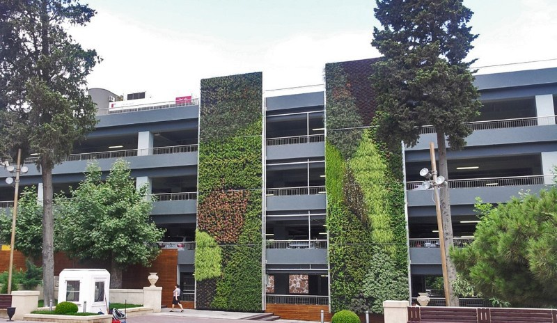parkgarage-baku-vertical-magic-garden-c-vertical-magic-garden